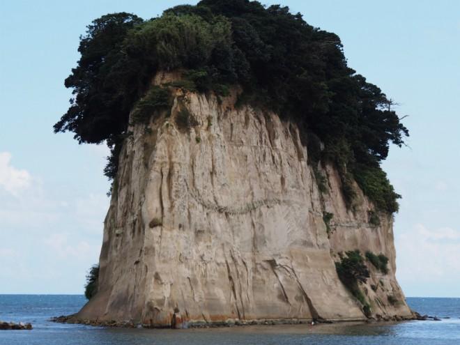 見附島大きい
