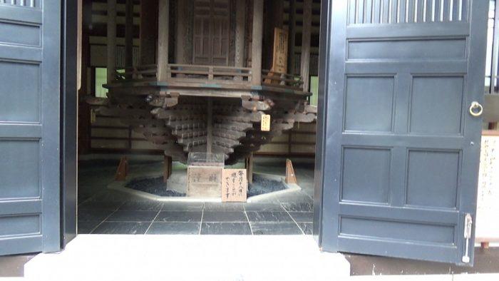 鎌倉長谷寺 輪蔵入り口